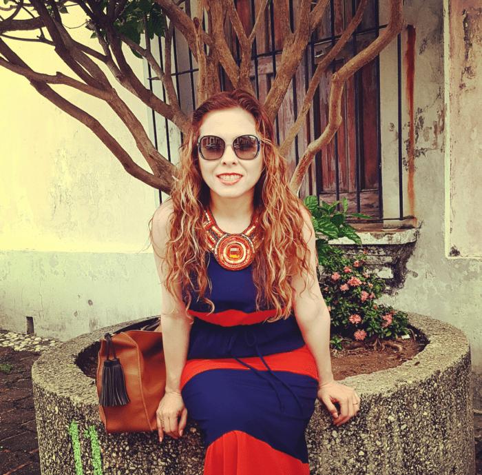 Maxidress a rayas en colores azul marino y naranja, muy cómo para el verano