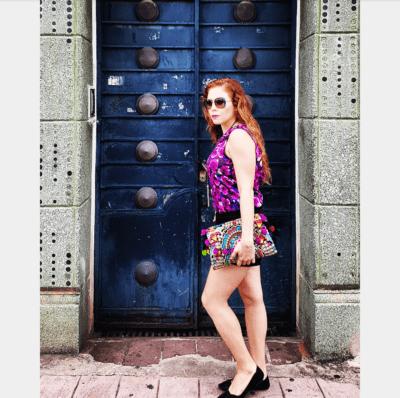 Top Banana Republic, Lentes Vogue eyewear, Shorts Armani, Flats de Gap y Bolso Vintage con pompones