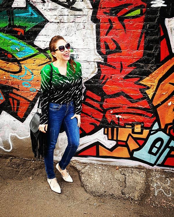 Street style, calvin klein green blouse, denim, urban style
