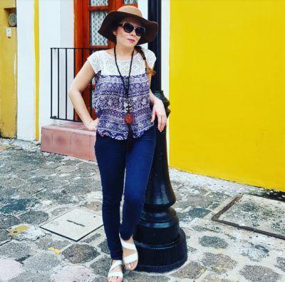 Street style Outfit, sombrero café, collar largo