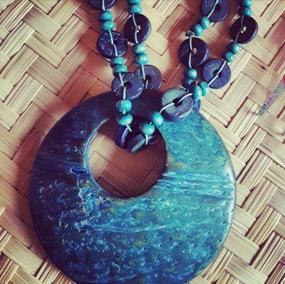 Tendencia Mexi chic. Collar verde esmeralda tallado a mano