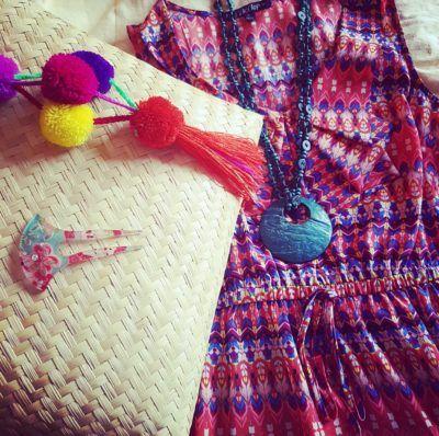 Combinacion de accesorios, bolsa y collar, diseño mexicano